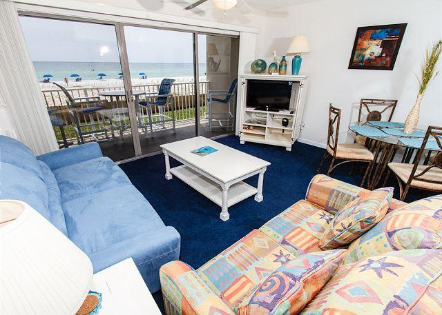 Living Room: breathtaking and quite relaxing - ETW1003: Come stay where summer is a state of mind: A GULF FRONT DELIGHT - Fort Walton Beach - rentals