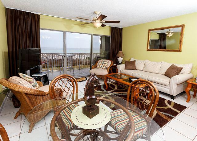 Gorgeous spacious living room with amazing views of the Emerald - ETW 1004:UPDATED beach front 1BR, FREE beach service, GOLF, SNORKELING daily - Fort Walton Beach - rentals