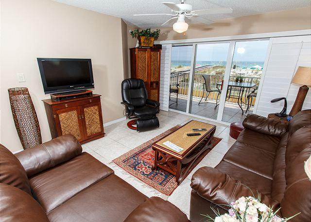 Living Room - GD 104:SALTY AIR & SUN KISSED hair await you! BOOK now: 2nd FLR 2BR - Fort Walton Beach - rentals