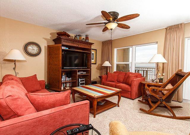 Living Room - #2002:Upgraded, professionally decorated direct beach front 2BR, WIFI,LCD TVs - Fort Walton Beach - rentals