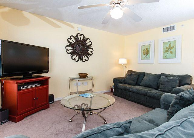 Living Room - Condo #3006: Bright and cheery beach condo- WiFi,HDTV,FREE BEACH SERVICE - Fort Walton Beach - rentals