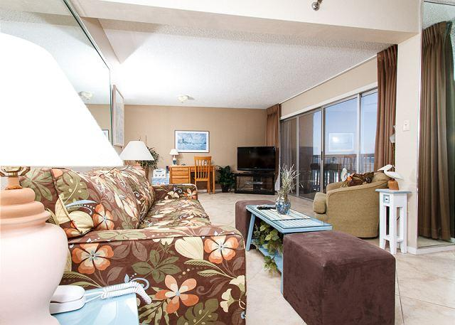 Living Room - Condo #306: Updated in March 2013-WIFI,balcony,sunset view,FREE BEACH SERVICE - Fort Walton Beach - rentals