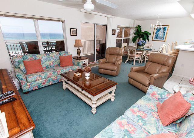 Living Room - Condo #5009: Great Beachfront condo- WiFi,Free Beach Service**KEYLESS ENTRY** - Fort Walton Beach - rentals