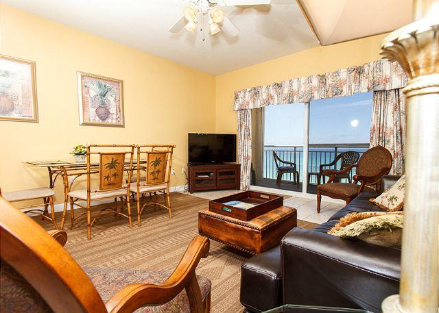 6th floor living room with an amazing view! - PI 603:Splendid unit-whirlpool tub, panoramic view, Free Beach Service - Fort Walton Beach - rentals