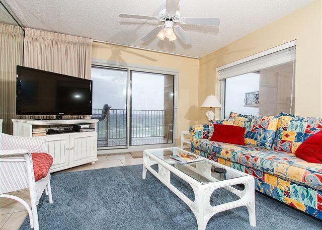 Living Room - SL 505-EXQUISITE WATERFRONT,CORNER UNIT,WIFI,FREE SNORKELING, FREE BCH CHAIRS - Fort Walton Beach - rentals
