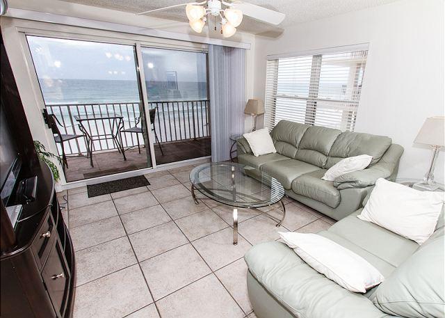 Living Room - TP 401: Delightful corner unit- beachfront,HDTV,WIFI,FREE BEACH SERVICE - Fort Walton Beach - rentals