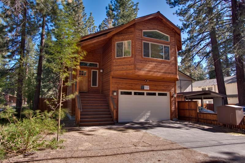 Elegant Home Walking Distance to Lake Tahoe Beaches, Bike Paths and Restaurants (ST43) - Image 1 - South Lake Tahoe - rentals
