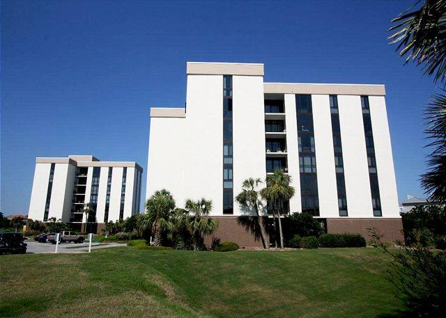 Enclave 505B Cozy 3 Bedroom Steps Away from the Famous Beaches! - Image 1 - Destin - rentals