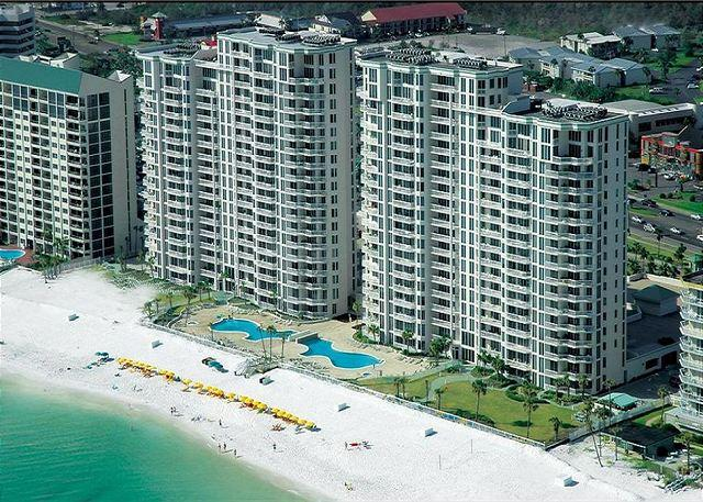 Check out this Beautiful 4 Bedroom Corner Unit!  Free Bch Svc & Parasailing! - Image 1 - Destin - rentals