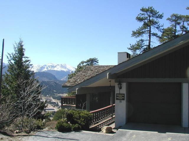 Breiding Upper at Windcliff: RMNP Panoramic Views, Hot Tub, Sun Room, Wildlife - Image 1 - Estes Park - rentals