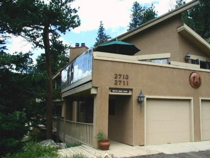 The Cedar Upper at Windcliff: Top of the World RMNP Views, Hot Tub, Wildlife - Image 1 - Estes Park - rentals