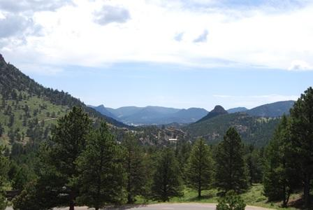 Enjoy the Breathtaking Scenery From This Multi-level Condo - Camelot on Deer Mountain - Estes Park - rentals