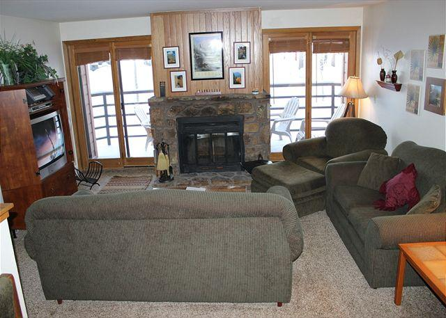 BV207BB Super Condo w/ Elevator, Wifi, Fireplace, Clubhouse - Image 1 - Silverthorne - rentals