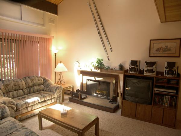 Picturesque Condo with 3 Bedroom/2 Bathroom in Incline Village (79FP) - Image 1 - Incline Village - rentals