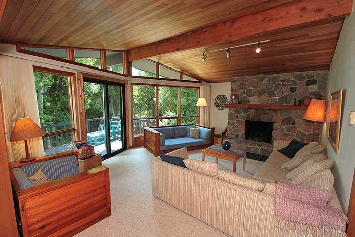 Moondance cottage (#233) - Image 1 - Lions Head - rentals