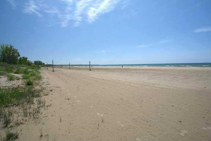 Sunset Beach House cottage (#490) - Image 1 - Sauble Beach - rentals