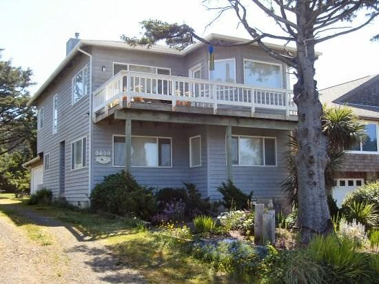 Anderson Trail House- Exterior - Anderson Trail House is a 3 bedroom 2 bath 2-story Ocean-view home just steps to the beach Sleeps 8 - 35589 - Cannon Beach - rentals
