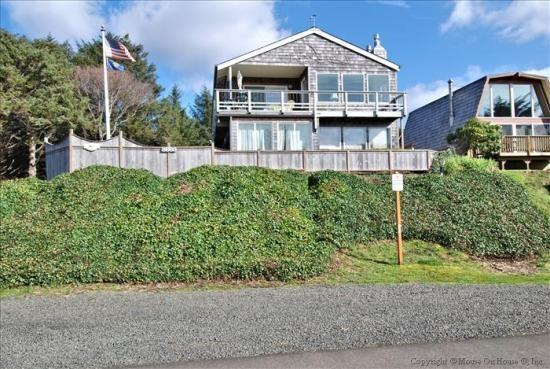 Tyee House - 35601 - Image 1 - Cannon Beach - rentals