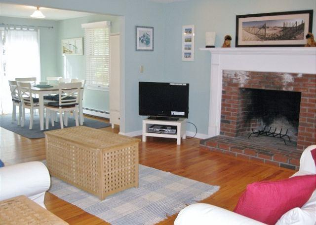 BREWSTER, BEAUTIFUL DECOR & OCEAN EDGE RESORT ACCESS! - Image 1 - Brewster - rentals