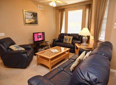 Flat screen TV in living area.. - Chase Grove - Davenport - rentals
