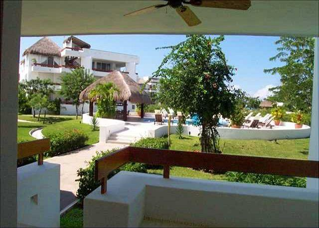 Studio Unit just steps from the pool! - Image 1 - Cozumel - rentals