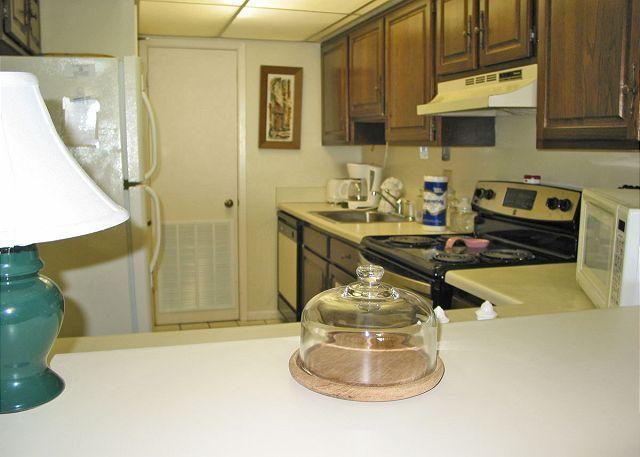 Kitchen - Edgewater 43 ~ Beachfront Condo Enclosed Balcony ~ Bender Vacation Rentals - Gulf Shores - rentals