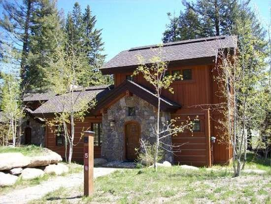 Close to the Lodge yet in a nice wooded setting - Rock Creek Cottage 5 - Two bedrooms. 2.5 Bath Cottage. Pet Friendly and WIFI. - Tamarack Resort - rentals