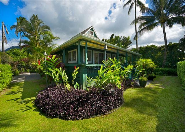 Ultimate Beachfront House - Hanalei, Pine Trees surf spot, has A/C! - Image 1 - Hanalei - rentals