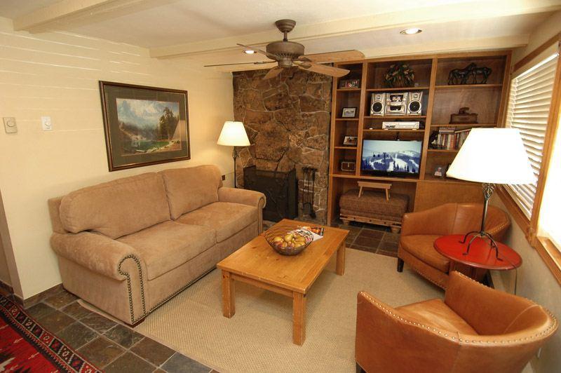 living_area_1.jpg - SilGlo105 - Aspen - rentals
