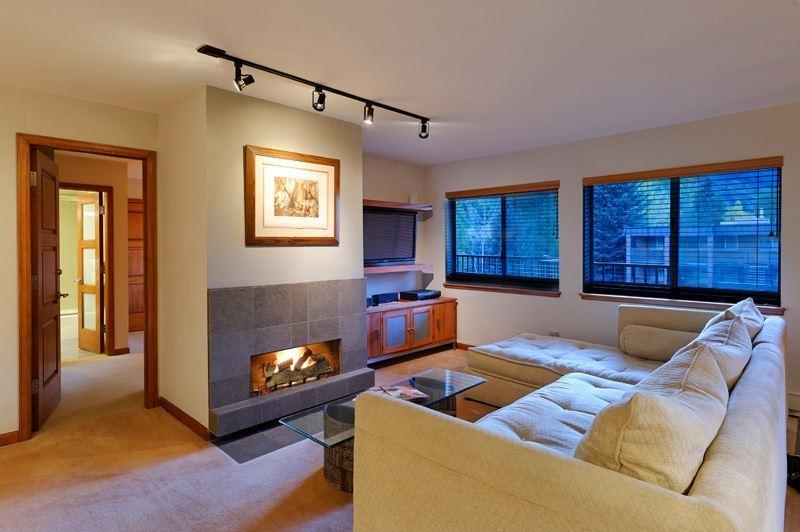 living_area.jpg - Silver Glo Unit 309 - Aspen - rentals