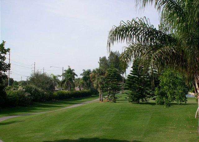La Puerta 4-231 Isla Del Sol Golf Course View  - internet, w/d, balcony - Image 1 - Saint Petersburg - rentals