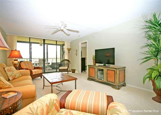 Make yourself at home in the spacious living room - Gulf and Bay Club 204C, Beach Front, 3 pools, spa, wifi - Siesta Key - rentals