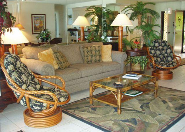 Living Room - A203 Hololani Oceanfront  Resort - Lahaina - rentals