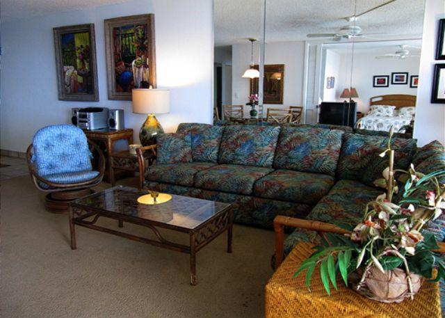 Living Room - A602 Hololani Oceanfront Resort - Lahaina - rentals