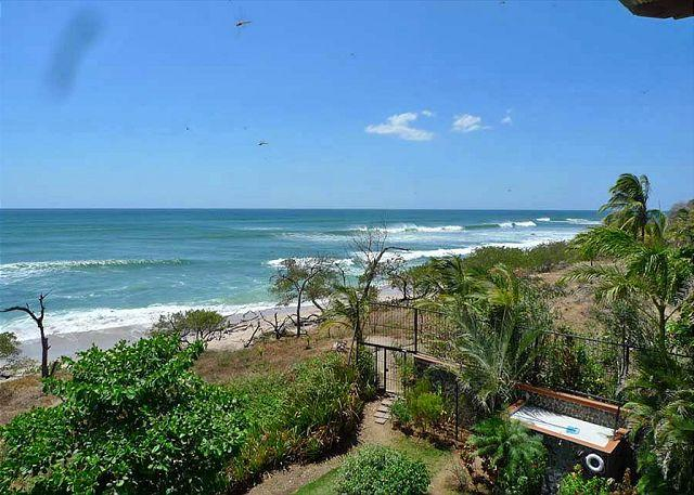 View - Fabulous 3rd floor 3BR penthouse- ocean views, a/c, beachfront pool HOR302 - Tamarindo - rentals