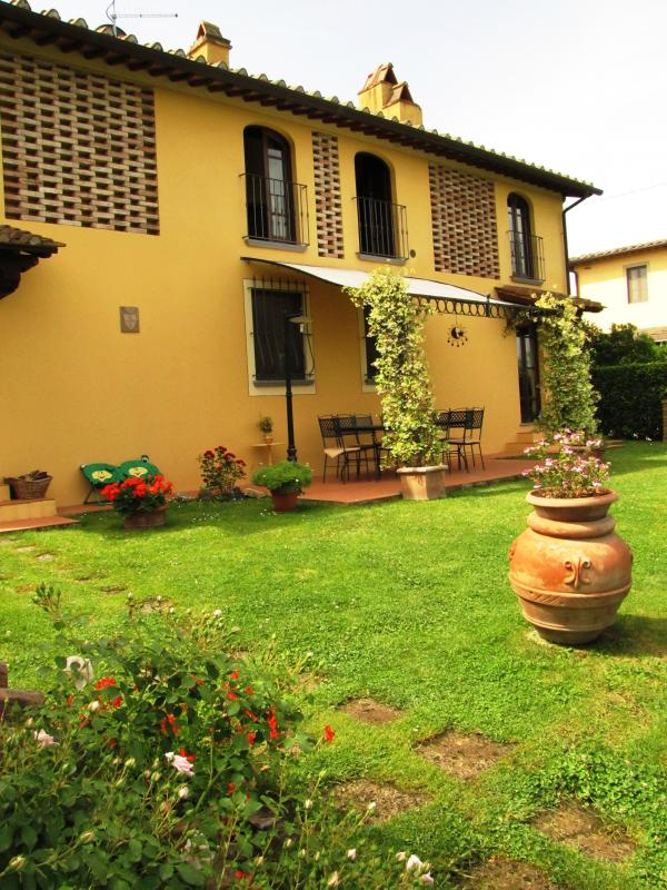 Farmhouse Rental in Tuscany, Castelfiorentino - Casa Fascinante - Image 1 - Castelfiorentino - rentals