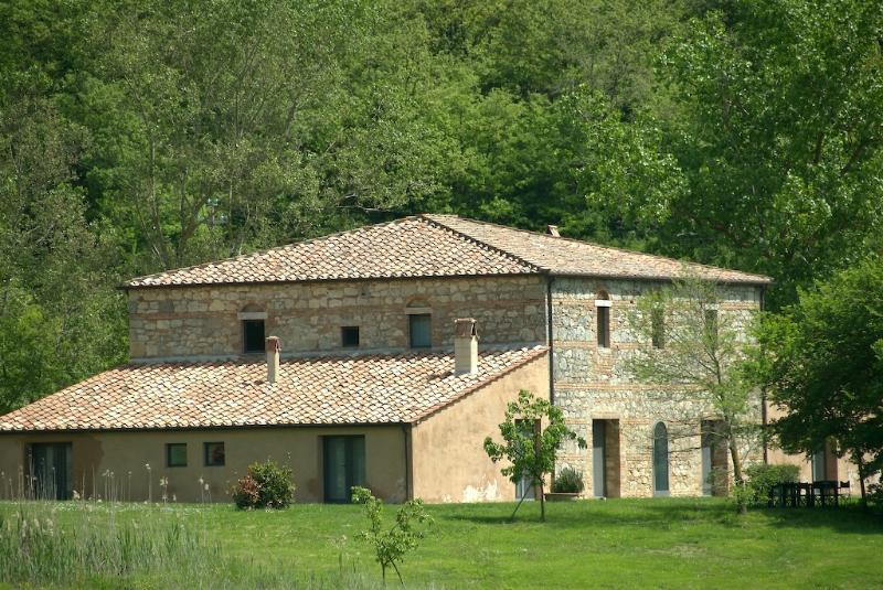 Luxury Farmhouse in Tuscany - Near Siena, Orvieto, Perugia, Todi - Tenuta Abbazia - Casa L'Etrusca - Image 1 - Sarteano - rentals