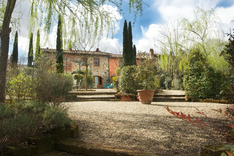 Farmhouse Accommodation in Tuscany - La Corte 3 - Image 1 - Orentano - rentals