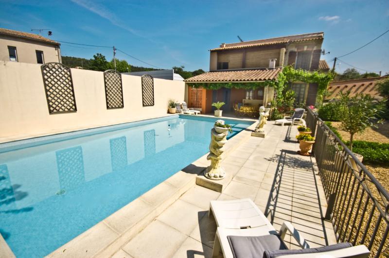 Villa Rental in Languedoc-Roussillon, near Nimes - La Maison du Gard - Image 1 - Caveirac - rentals