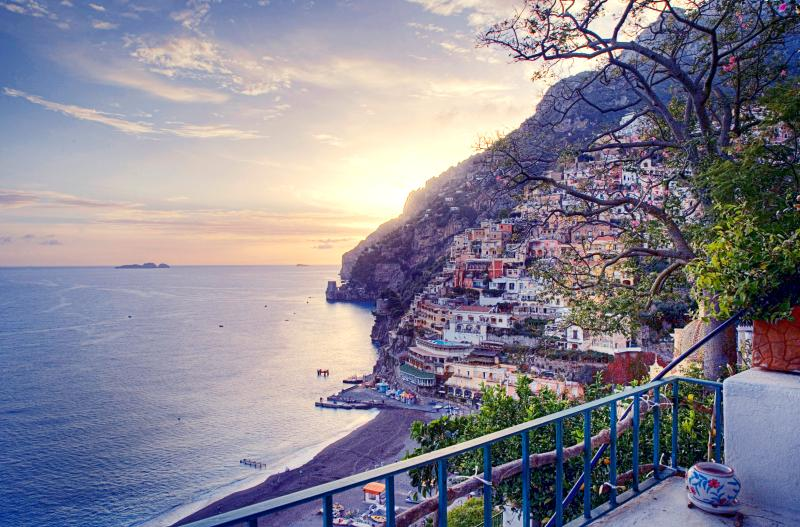 Villa Rental in Positano with Beach Access and Sea Views - Le Scogliere - Image 1 - Positano - rentals