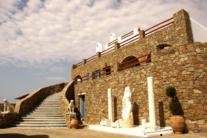 Luxury Villa on Mykonos Within Walking Distance of the Beach - Villa Delphinus - Image 1 - Ano Mera - rentals