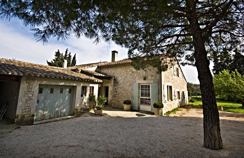 Villa Francine, Beautiful 4 Bedroom Provence Home with Sauna and Pool - Image 1 - Les Baux - rentals
