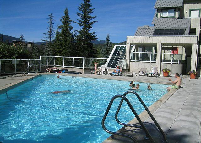 Close to lifts, free internet, parking, fully self contained 1 bdm condo - Image 1 - Whistler - rentals