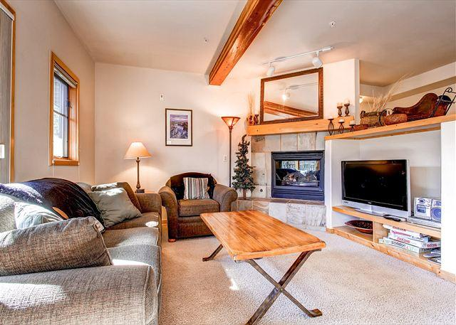 Twin Elk C9 Townhome Ski-in Downtown Breckenridge Vacation Rentals - Image 1 - Breckenridge - rentals