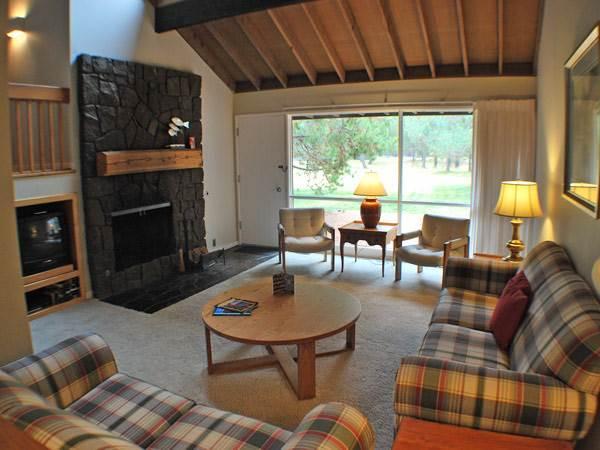 #74 Meadow House Condo - Image 1 - Sunriver - rentals