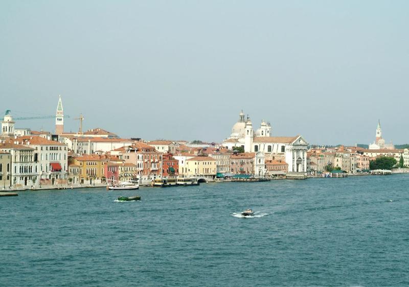 Apartment Rental in Venice City, Dorsoduro - Giudecca 8 - Image 1 - Friuli-Venezia Giulia - rentals
