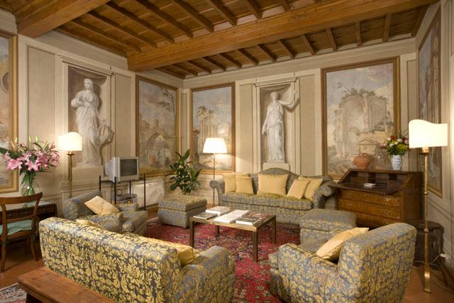 Exclusive Accommodation Florence - Piazza Santa Croce - Peruzzi - Image 1 - Florence - rentals