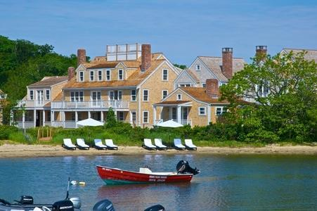3 Bedroom 2 Bathroom Vacation Rental in Nantucket that sleeps 6 -(3444) - Image 1 - Nantucket - rentals