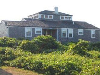 Lovely House with 4 Bedroom, 2 Bathroom in Nantucket (8248) - Image 1 - Nantucket - rentals