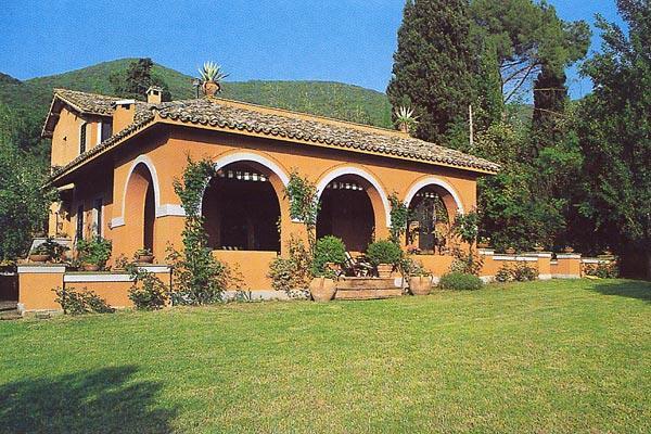 2- part villa with swimming pool- easy drive or train to Rome. HII POG - Image 1 - Lazio - rentals